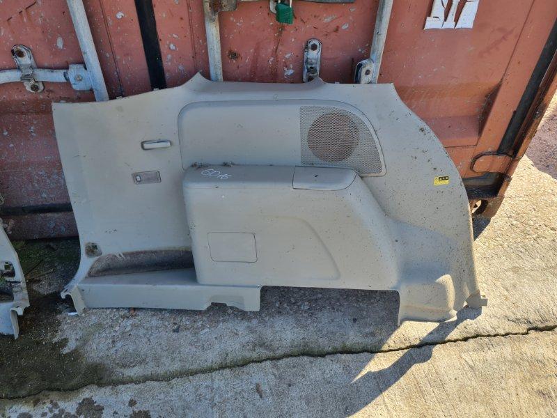 Обшивка багажника Toyota Isis ZNM10 1ZZFE 2004 левая