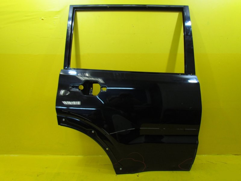 Дверь Mitsubishi Pajero 4 2006 задняя правая