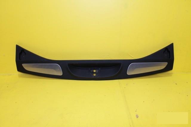 Накладка замковой панели Jeep Grand Cherokee WK2 2010 задняя