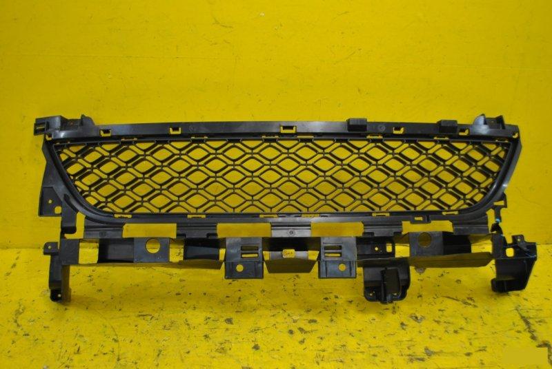Решетка радиатора Renault Sandero Stepway 2 2013