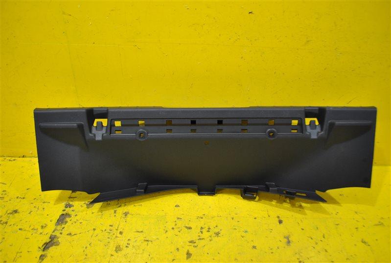 Накладка замковой панели Ford Edge 2015 задняя