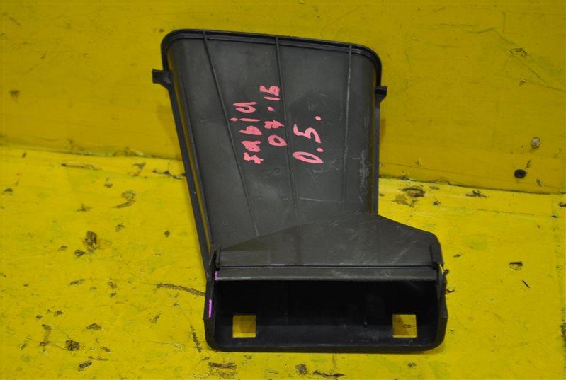 Воздухозаборник Skoda Fabia 2007 передний