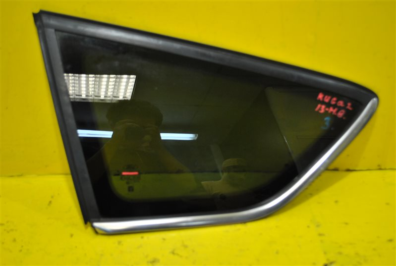 Стекло крыла Ford Kuga 2 2013 заднее левое