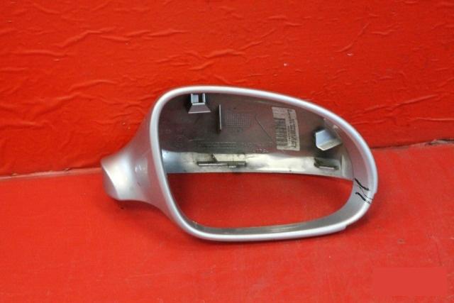 Корпус зеркала Volkswagen Golf 5 2003 правый