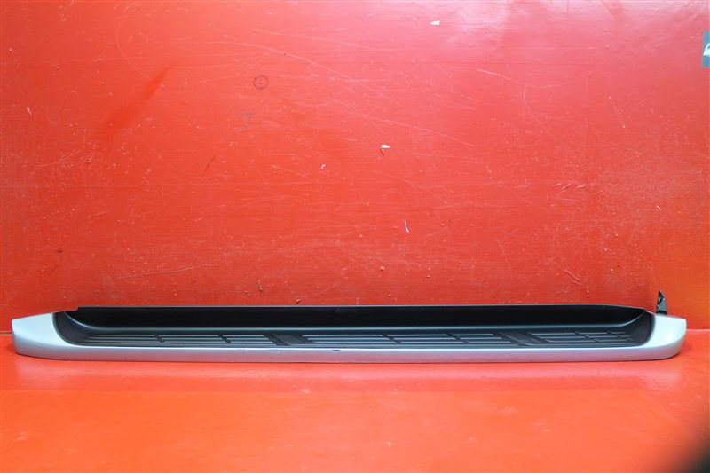 Накладка порога Toyota Hilux 2015 левая