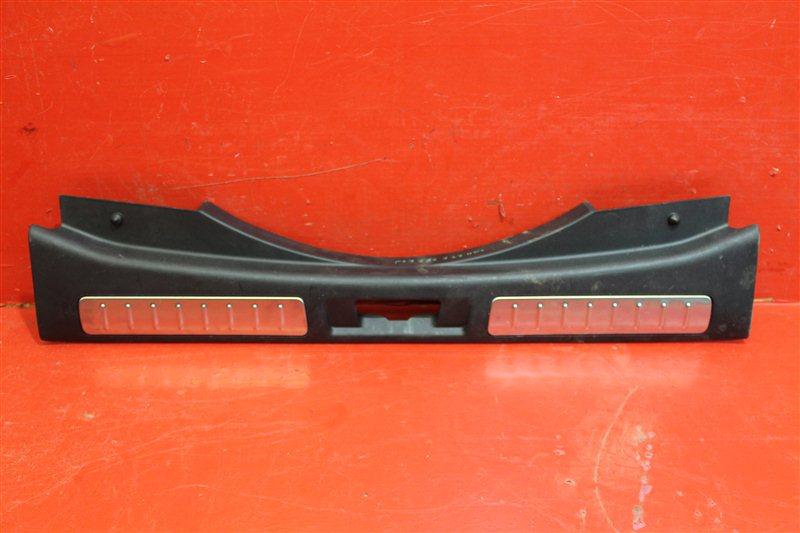 Накладка замка багажника Land Rover Evoque 2011 задняя