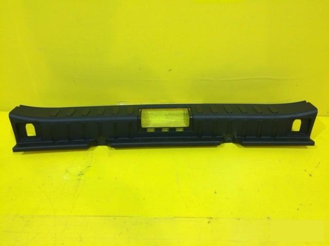 Накладка замка багажника Bmw X1 E84 2009