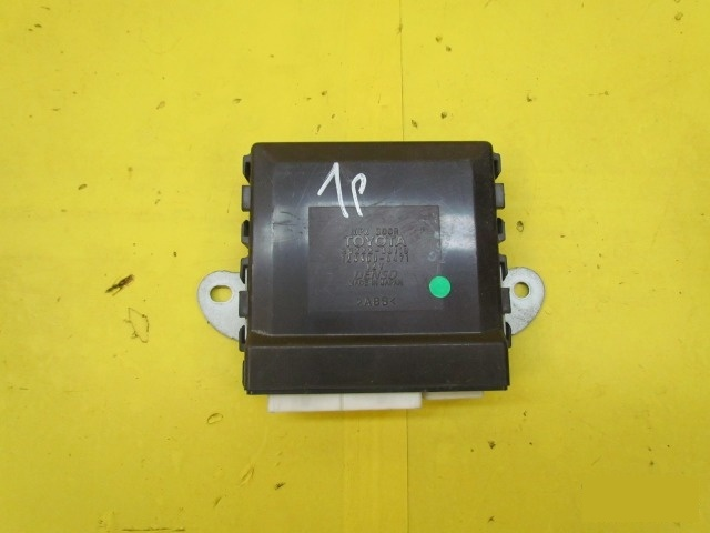 Блок управление двери Lexus Gs 3 2005