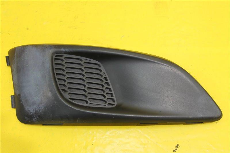 Решетка в бампер Chevrolet Aveo T300 СЕДАН 2011 передняя правая