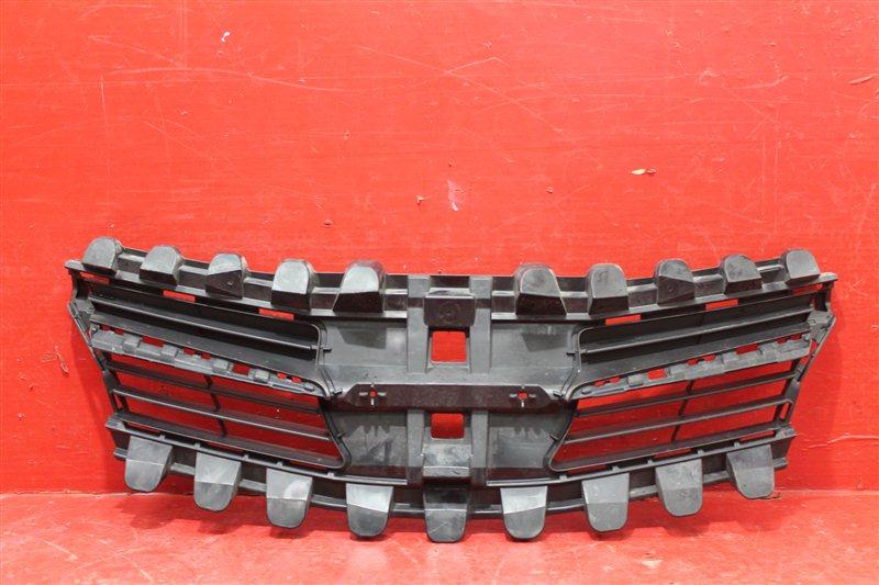Решетка радиатора Toyota Verso 2 2012 передняя