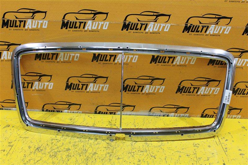 Хром решетки радиатора Bentley Bentayga 2016 передний