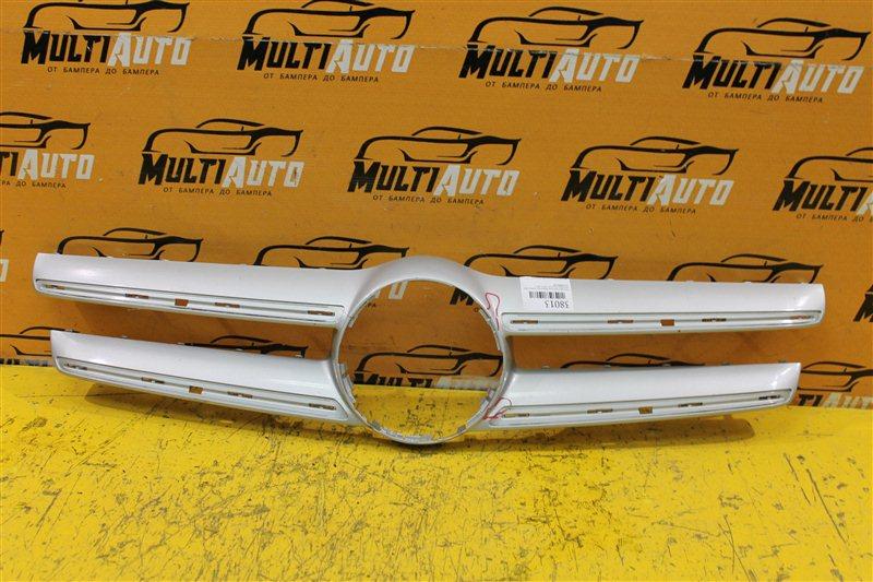 Накладка решетки радиатора Mercedes Gla X156 2013 передняя верхняя