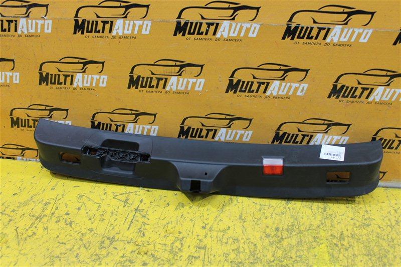 Накладка замка багажника Mercedes Glc X253 2015