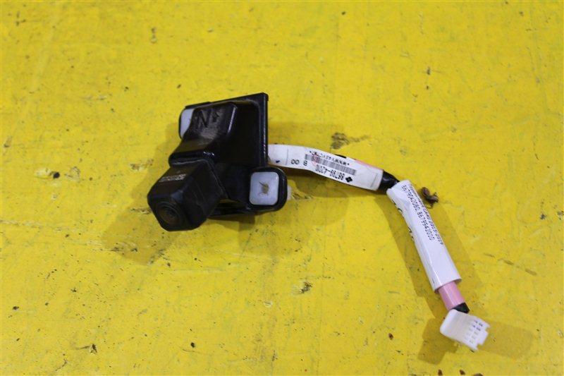Камера задняя Toyota Rav4 CA40 2013 задняя