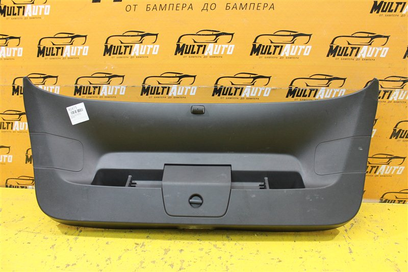 Обшивка крышки багажника Volkswagen Golf 7 2012