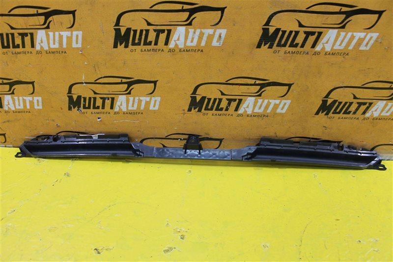Накладка решетки радиатора Audi A5 8W 2016