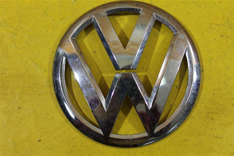 Эмблема крышки багажника Volkswagen Tiguan 2011