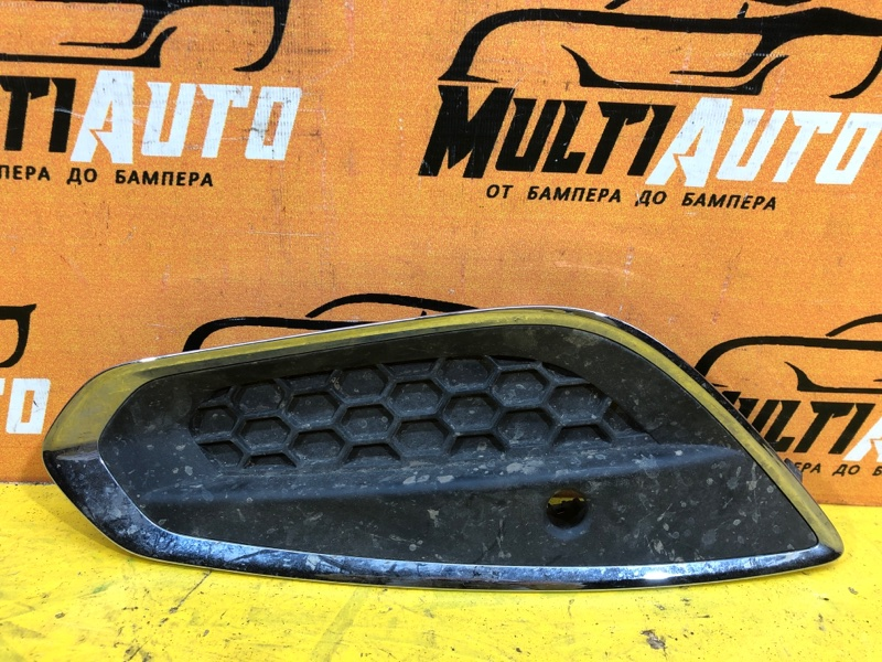 Решетка в бампер Volvo S60 2010 передняя правая