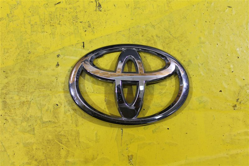 Эмблема крышки багажника Toyota Land Cruiser 200 2007 задняя