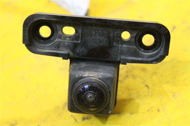 Камера в решетку радиатора Cadillac Escalade 4 2014 передняя