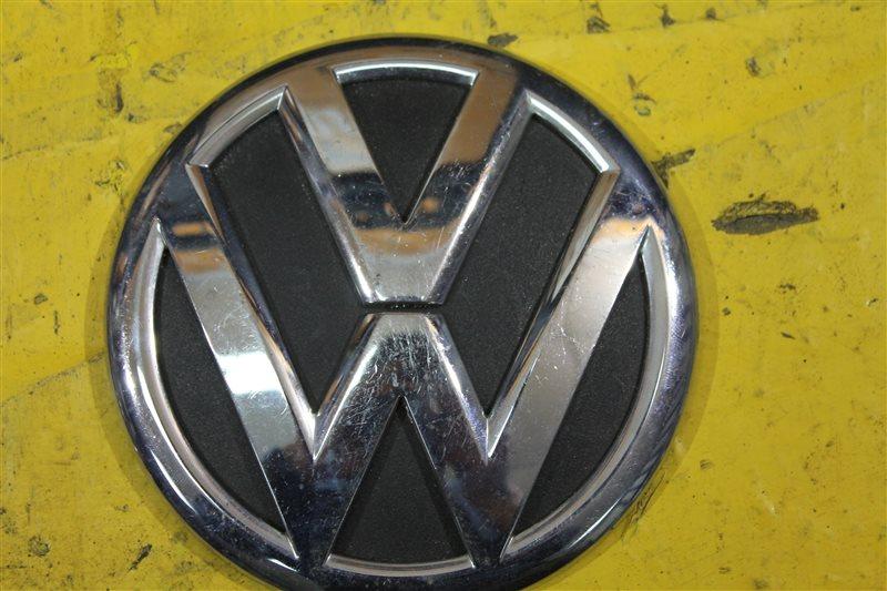 Эмблема крышки багажника Volkswagen Tuareg 2 2011 задняя