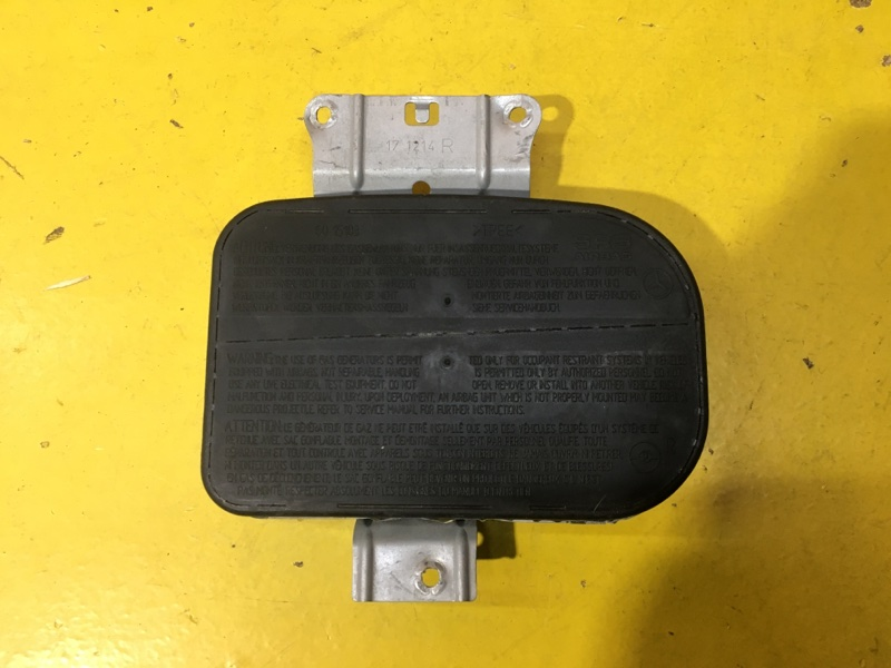 Подушка безопасности Mercedes Slk R170 передняя правая
