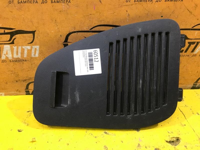 Заглушка обшивки багажника Toyota Rav4 CA40 2013 задняя правая