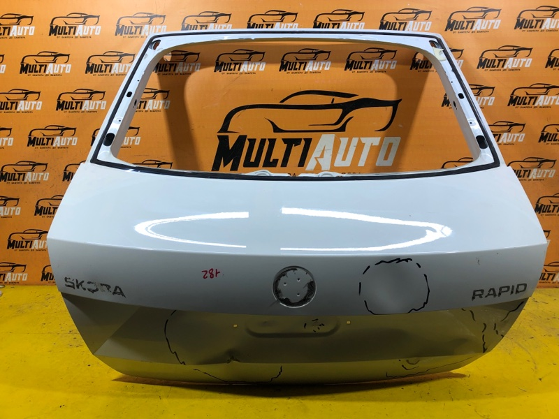 Крышка багажника Skoda Rapid 2012