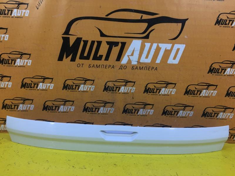 Накладка крышки багажника Ford Kuga 2 2012 задняя