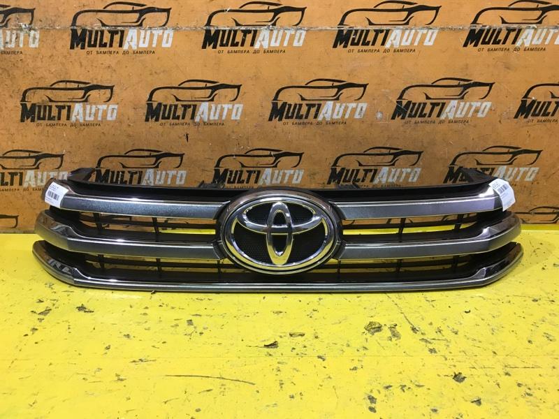 Решетка радиатора Toyota Hilux 8 2015