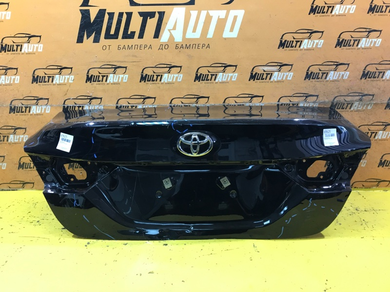 Крышка багажника Toyota Camry 70 2017