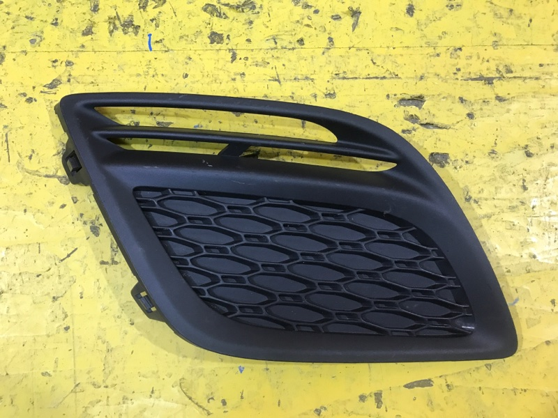 Решетка в бампер Volvo Xc60 1 2008 передняя правая