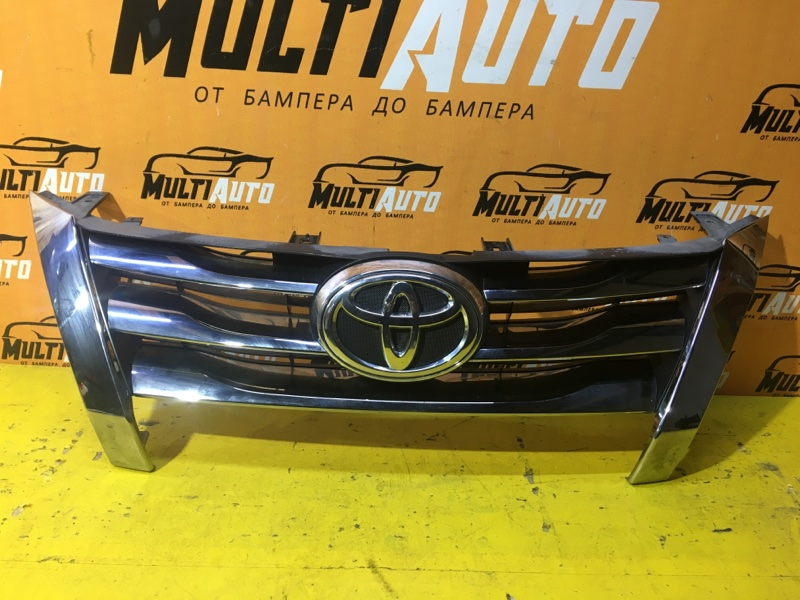 Решетка радиатора Toyota Fortuner 2 AN160 2015