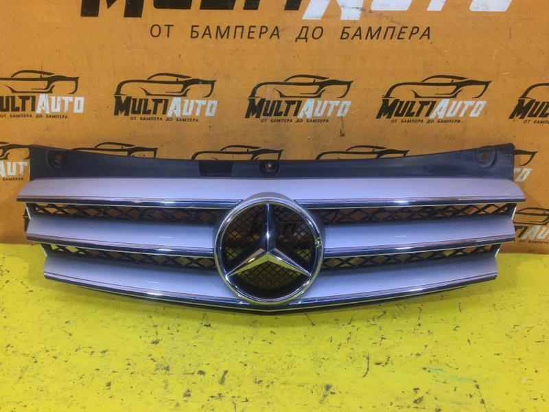 Решетка радиатора Mercedes Viano W639 2010
