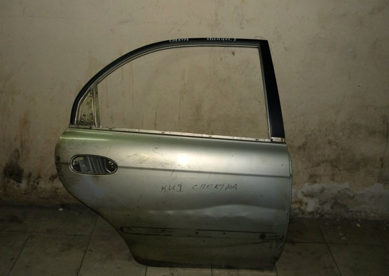 Дверь Kia Spectra 2001 задняя правая