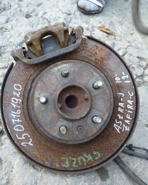 Кулак Opel Astra задний правый