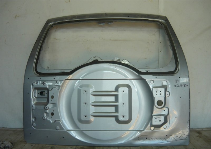 Крышка багажника Mitsubishi Pajero 4 2014 задняя