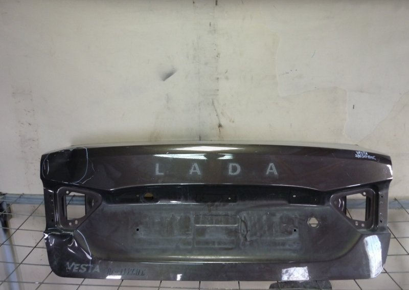 Крышка багажника Lada Vesta 1 2015