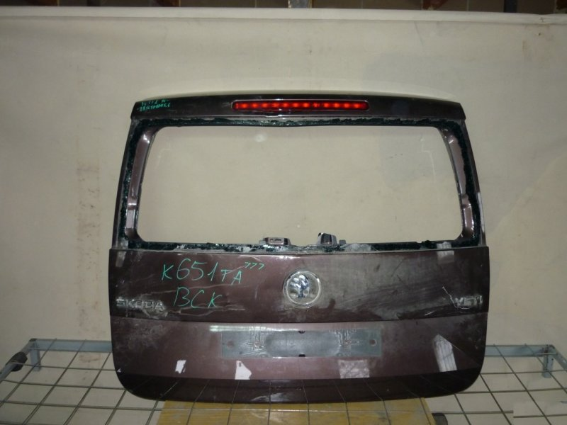 Крышка багажника Skoda Yeti 1 2014 задняя