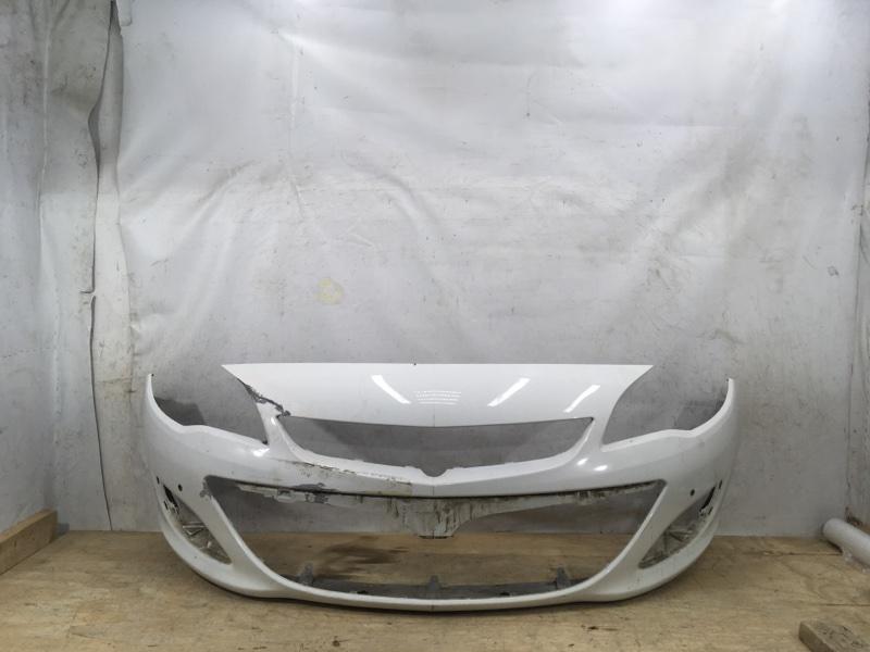 Бампер Opel Astra J 2012 передний