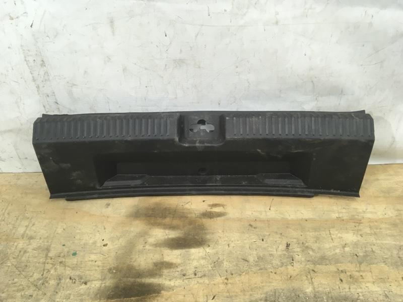 Накладка задней панели Volkswagen Polo `5 2011
