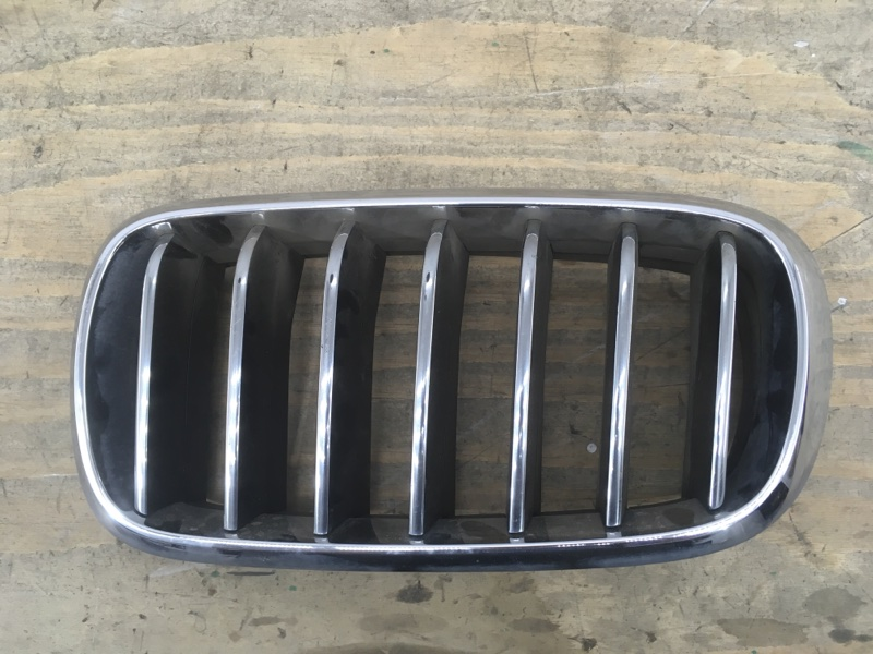 Решетка радиатора Bmw X5 `F15 2013 левая