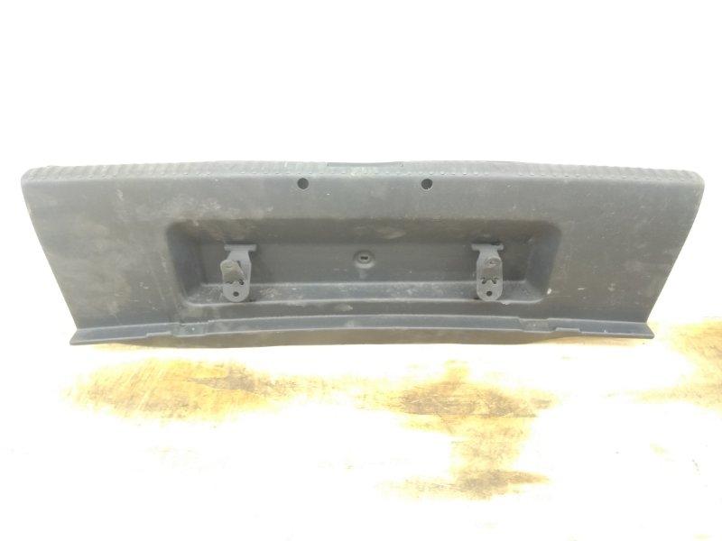 Накладка задней панели Skoda Octavia 3 A7 2013