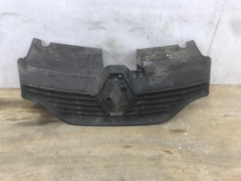 Решетка радиатора Renault Logan `2 2014