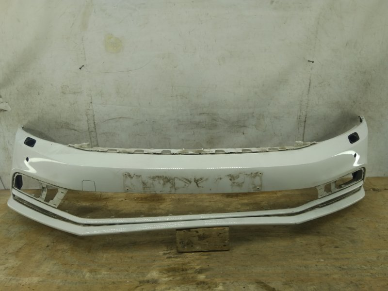 Бампер Volkswagen Jetta `6 2014 передний