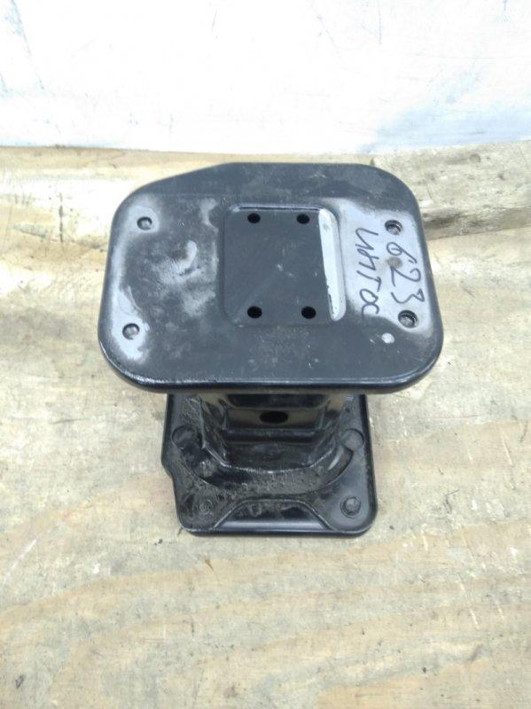 Кронштейн усилителя Chevrolet Captiva 1 C140 2011 передний левый