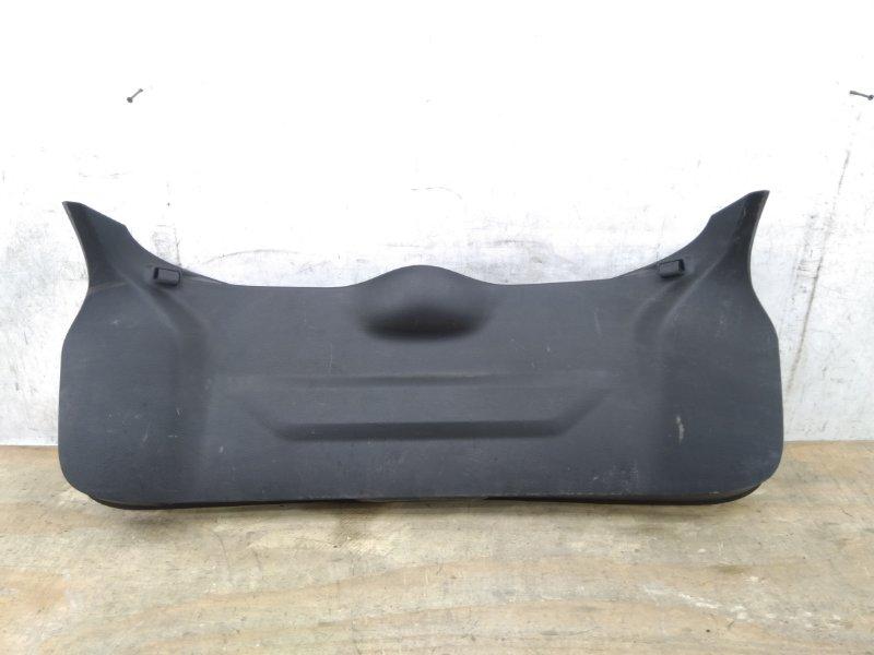 Накладка крышки багажника Nissan Qashqai `2 J11 2013