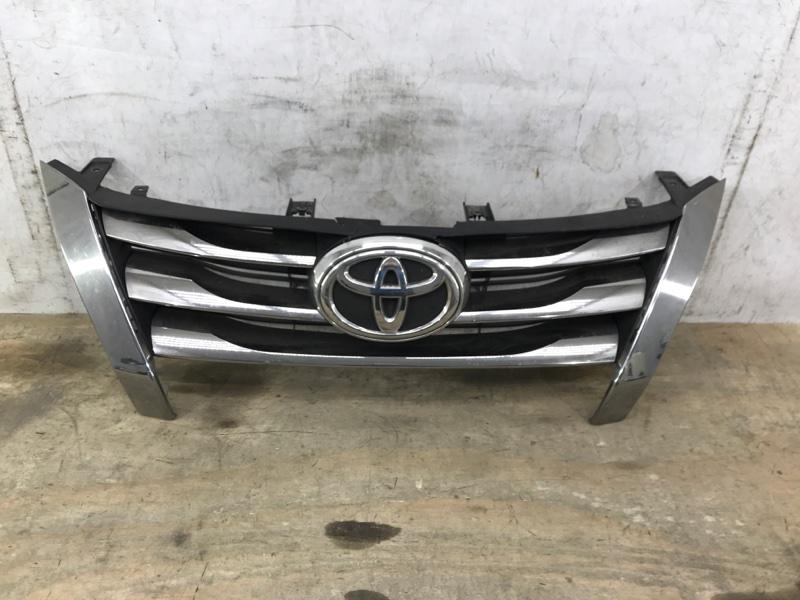 Решетка радиатора Toyota Fortuner 2 2015