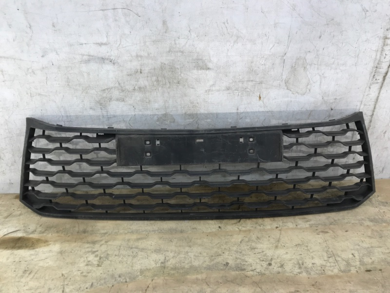 Решетка в бампер Mitsubishi Pajero Sport 3 2015 передняя