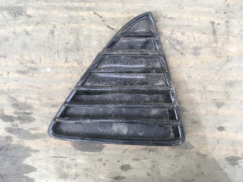 Решетка в бампер Ford Focus 3 2011 правая
